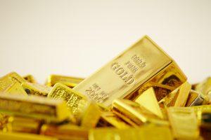 Yield Curve Scare Will Benefit Gold   BullionBuzz